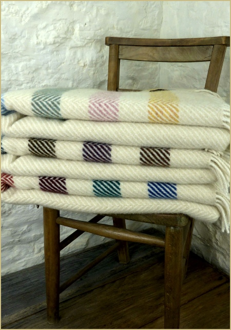 Cotswold Woollen Weavers' Witney Contemporary Point Blanket Throw