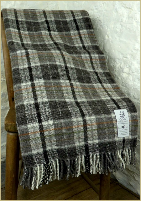 Cotswold Woollen Weavers' Welsh Country Rustic Plaid Throw Grey/Charcoal