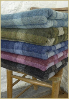 Cotswold Woollen Weavers' Merino Lambswool Mineral Plaid Throws