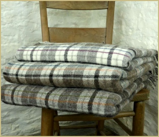 Cotswold Woollen Weavers' Welsh Country Rustic Plaid Throw