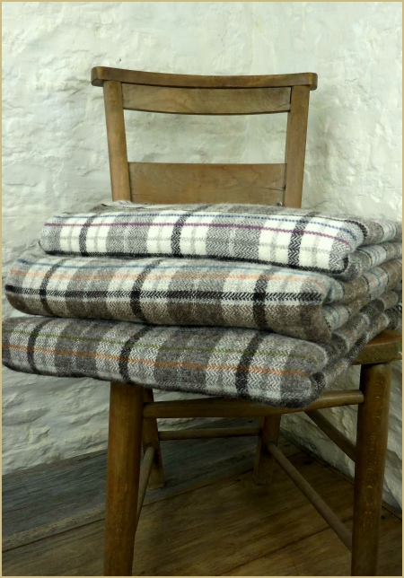Cotswold Woollen Weavers' Welsh Rustic Country Throw
